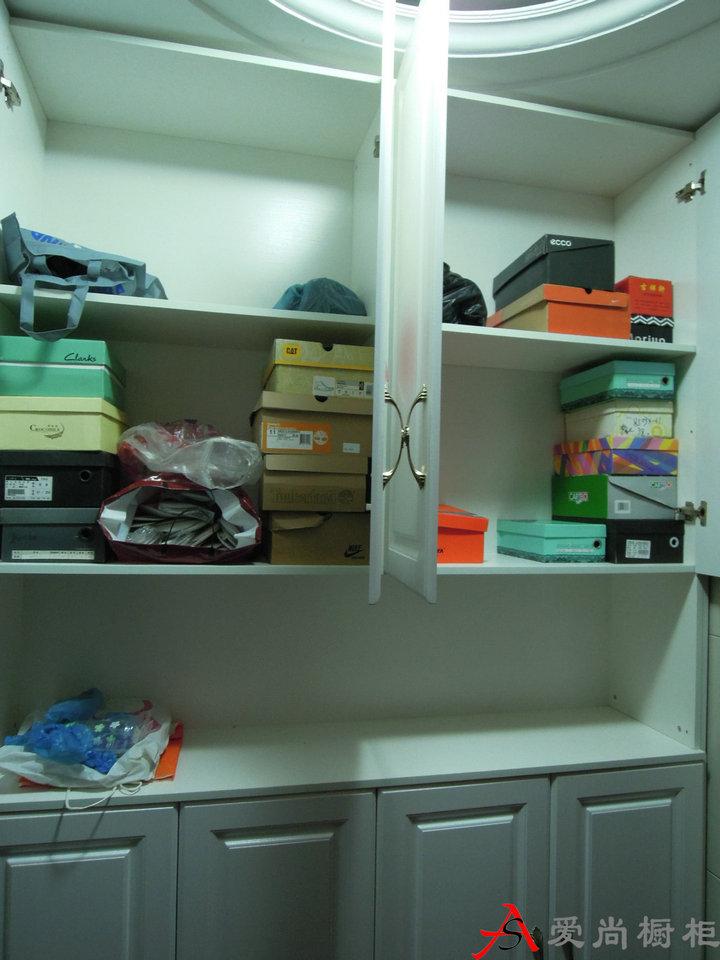 鞋柜带冰箱效果图