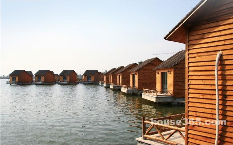 太湖湾旅游度假区竺山湖小镇