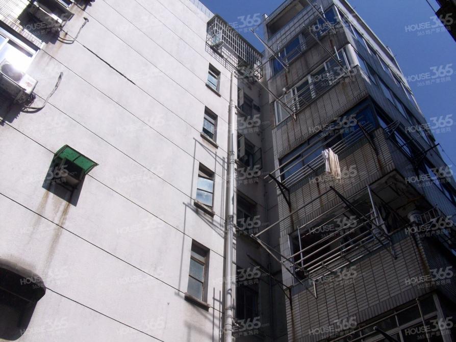 中山南路三山街附近 磨盘街 全明两室一厅临地铁