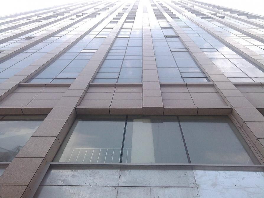 潜山路港汇广场 3号线地铁口 交通便利生活方便 朝南 急售