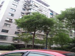 龙江地铁口 中保街 新城市广场 金润发 南艺