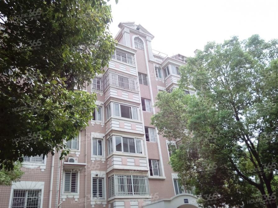 江宁区东山街道上海明珠花园135.00㎡精装3室2厅
