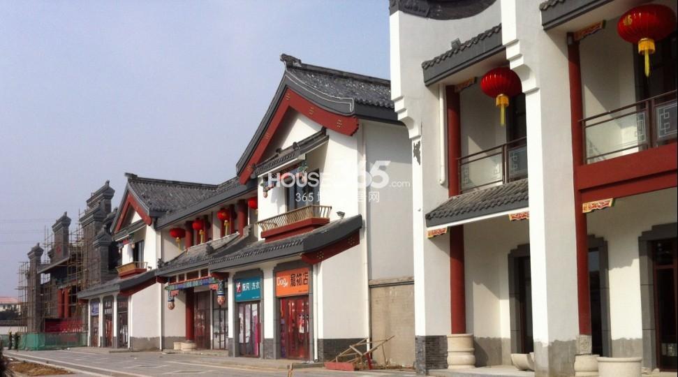 保利紫荆公馆:岛居价值速热 低密洋房稀缺 碧桂园凤凰城:大城东商圈