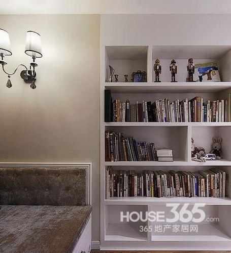 110平米房子装修:简单书柜设计