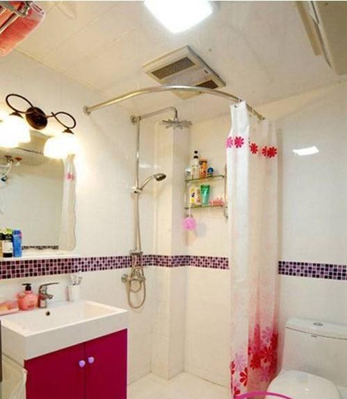 家居论坛 家装大家谈 > 卫生间浴帘 效果图欣赏    导语:卫生间的装修