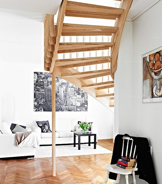 2013最新的跃层楼梯效果图 艺术创意的楼梯设计